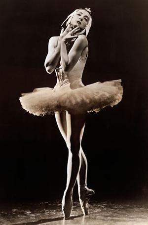 Фото №7 - Эволюция балетной пачки: как менялись костюмы танцовщиц