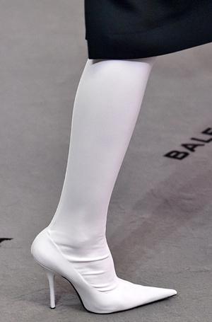 Фото №24 - Самая модная обувь: три главных цвета осени и зимы 2017/18