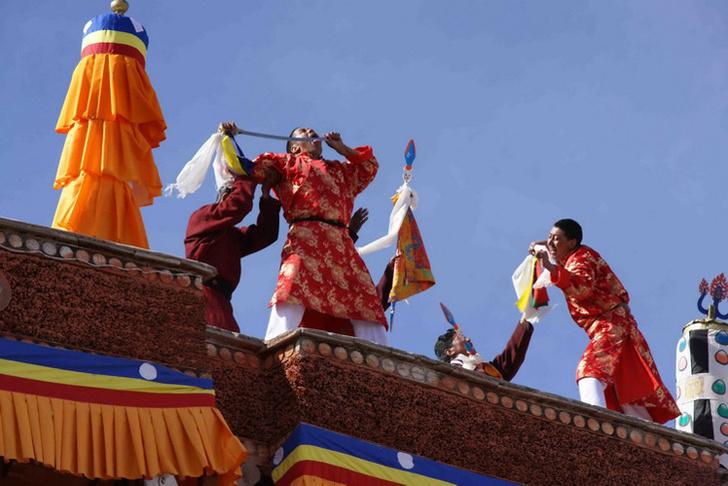 Фото №1 - Первый канал покажет уникальные кадры о жизни далекого тибетского королевства Мустанг