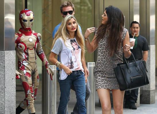 Фото №2 - Джейден Смит отправился на свидание в костюме Железного человека