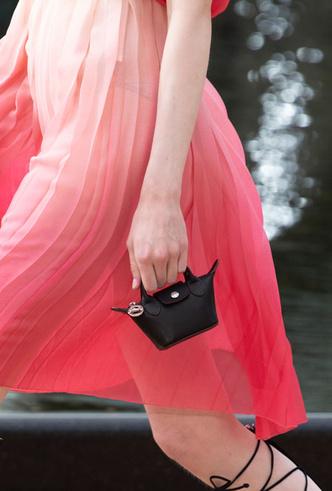 Фото №17 - Самые модные сумки весны и лета 2020