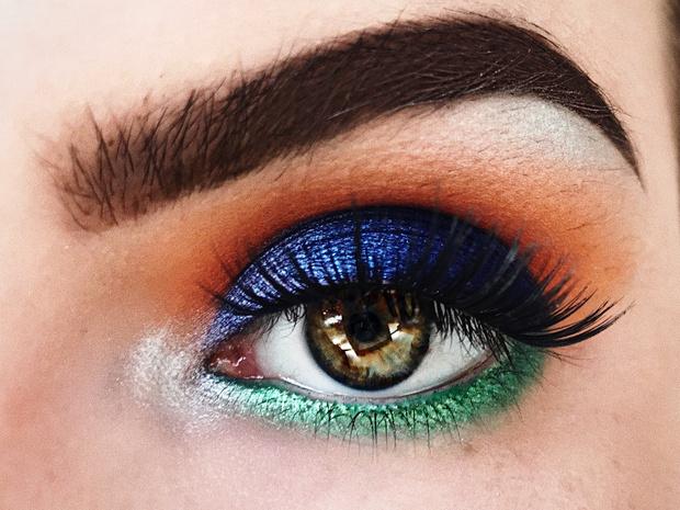 Фото №4 - Советы визажиста: как подобрать тени под цвет глаз и тон кожи