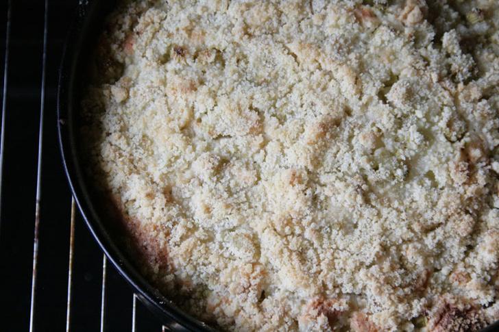 Пирог с ревенем: пошаговый рецепт