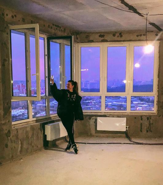 Фото №1 - Не расплатившись с первой ипотекой, Анна Седокова купила вторую квартиру