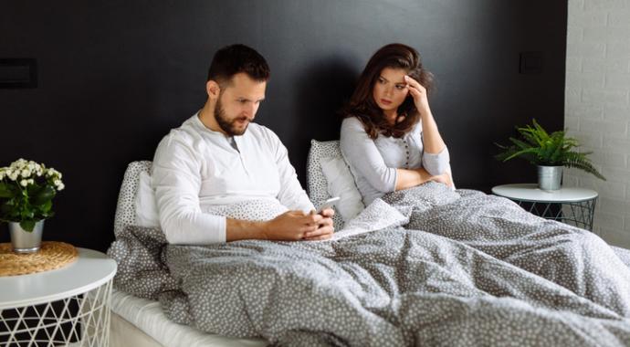 Когда стоит заподозрить измену мужчины: 5 неочевидных признаков