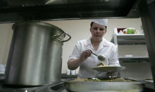 Фото №1 - Прокуратура обнаружила, что в 19 детских садах Петербурга плохо кормят