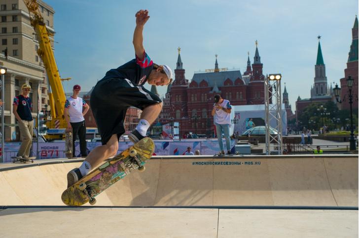 Фото №1 - Танцы на роликах, sup-серфинг, хайлайн и покорение скалодрома:  хиты спортивной программы Дня города