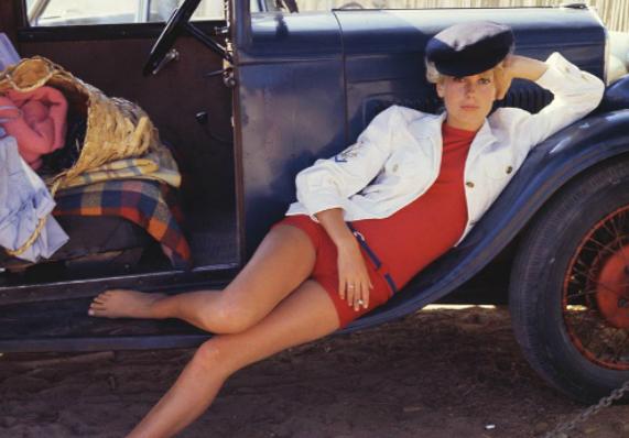 Фото №1 - Редкие снимки 19-летней Катрин Денёв