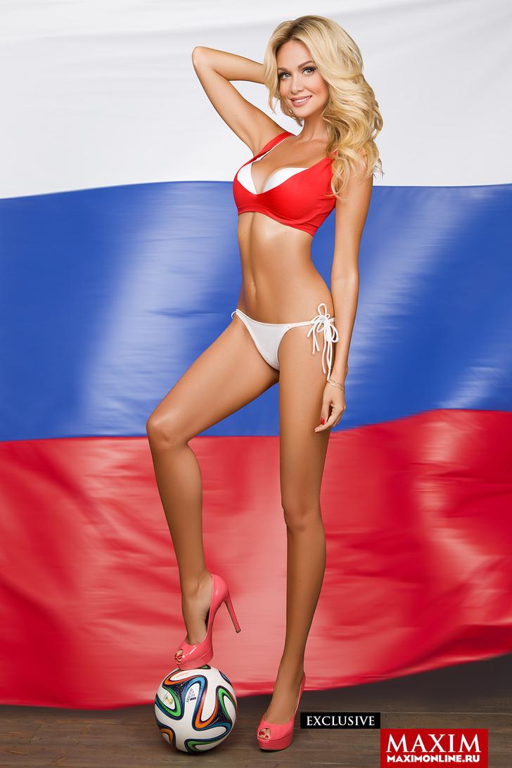 Фото №3 - Волнующие фото Виктории Лопыревой в MAXIM— вспоминаем в ее день рождения