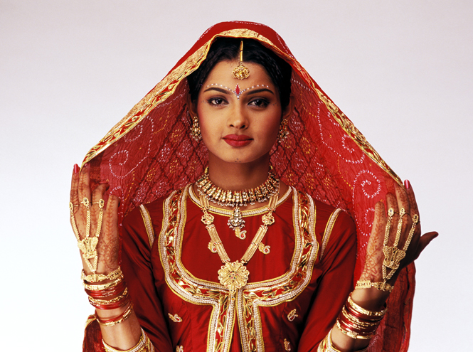 Фото №3 - Мода на белое: история традиционного наряда невесты