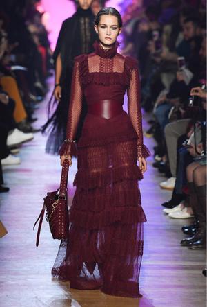 Фото №18 - Марсала, сангрия, марон: как королевские особы носят винные оттенки