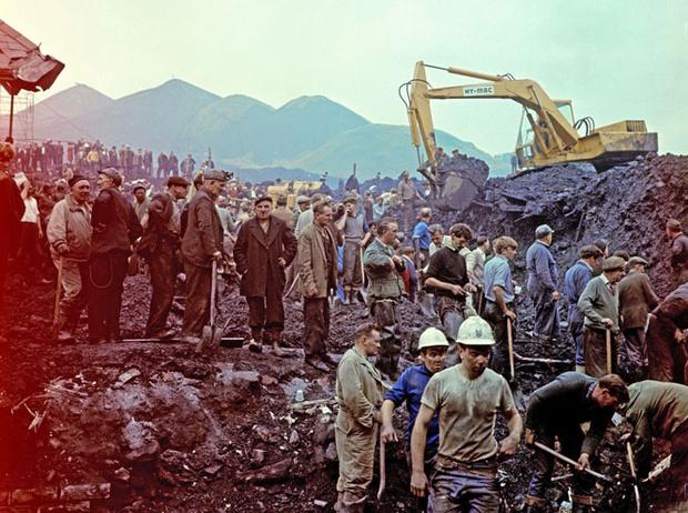 Фото №4 - Смутное время: как королевская семья справлялась с кризисом в 1960-е и 1970-е годы