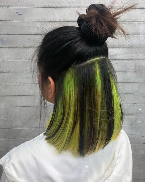 Фото №5 - Hidden Color: как сделать яркое окрашивание волос, с которым можно даже в школу