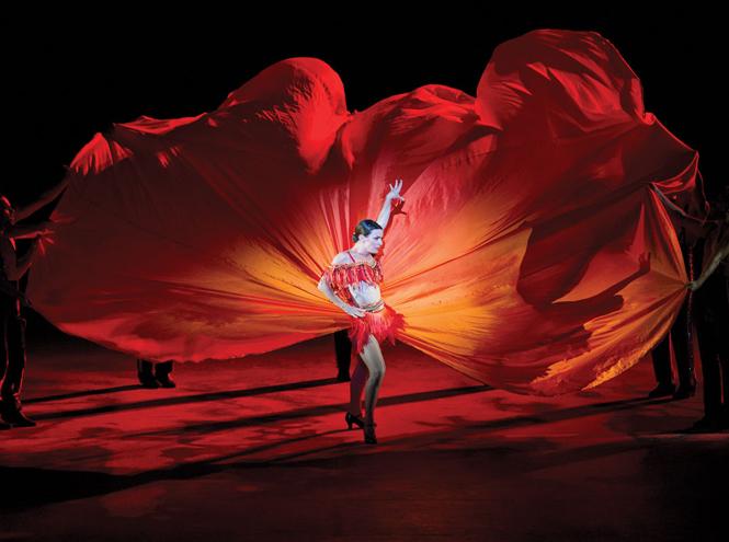 Фото №24 - 7 ключевых женских образов Недели haute couture SS17