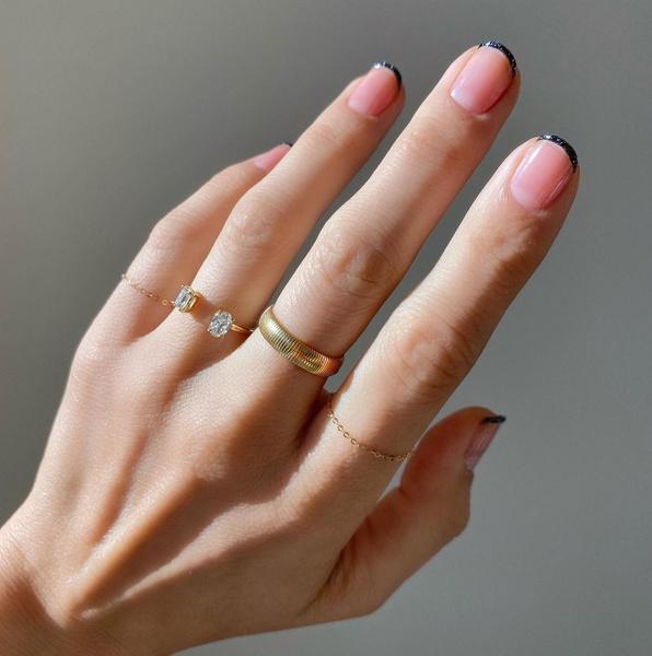 Фото №5 - Маникюр 2021: все про модный дизайн ногтей