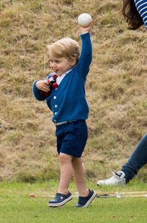 Фото №7 - «Деревянные игрушки»: во что играют дети королей