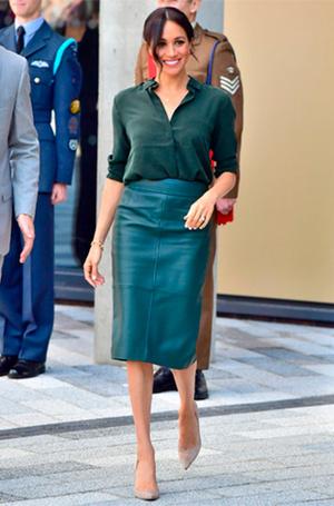 Фото №19 - Почему Кейт носит старые наряды, а Меган покупает новые