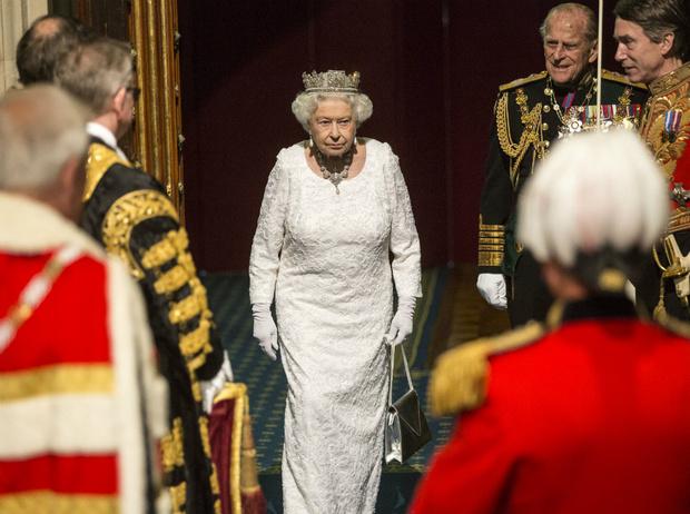 Фото №2 - Что могут короли: насколько велика власть Елизаветы II на самом деле