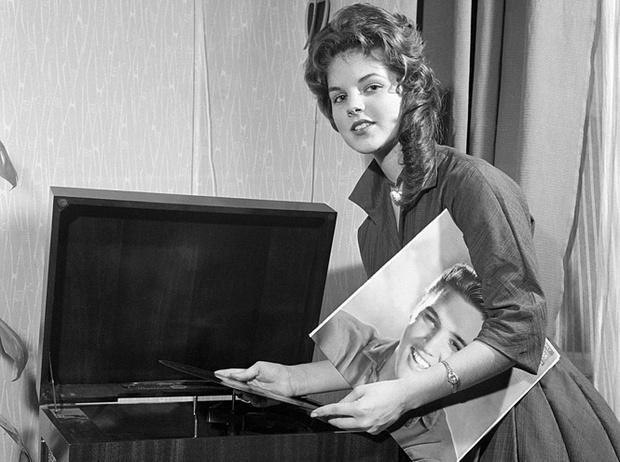 Фото №2 - Король рок-н-ролла и его принцесса: история любви Элвиса Пресли и Присциллы Болье