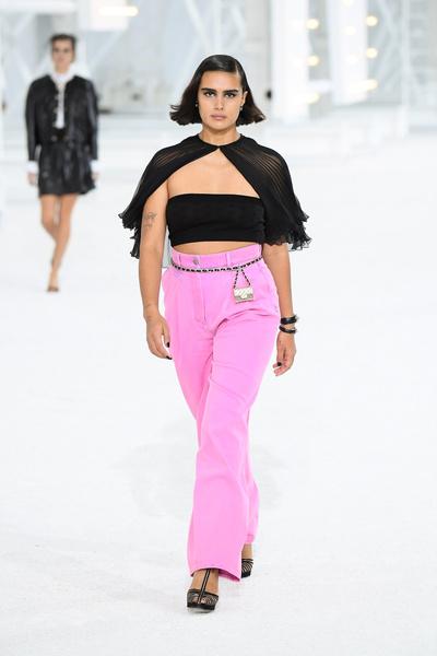 Фото №1 - Как носить розовый— главный цвет весны 2021