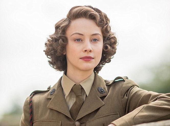 Фото №5 - Символ Елизаветы: образ британской королевы в кино и сериалах