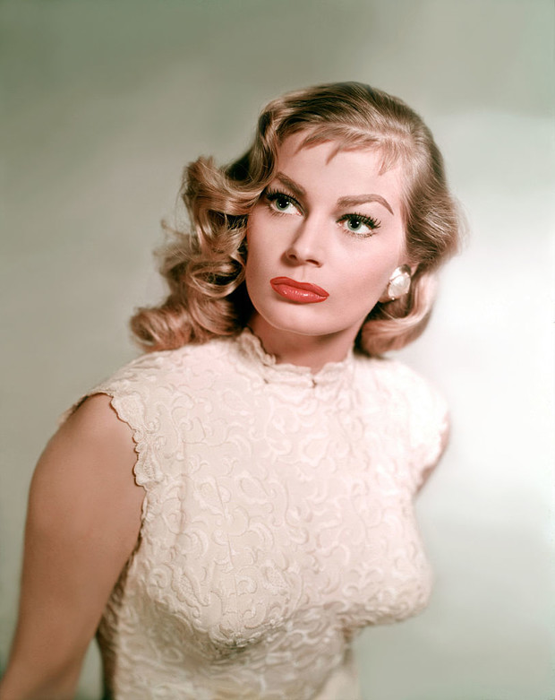 Фото №3 - Не только Мэрилин Монро: еще шесть шикарных блондинок 1950-х