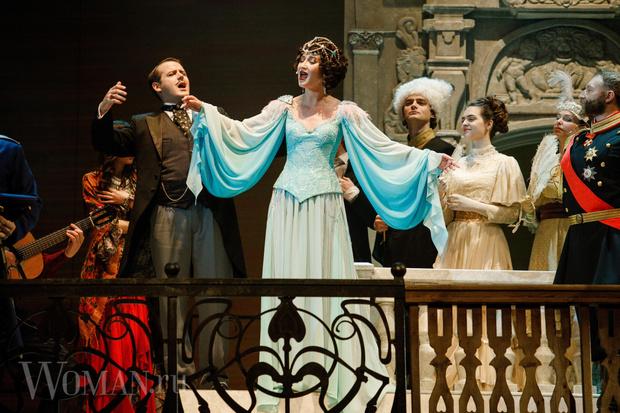 Фото №2 - Никита Михалков предложил Бузовой работать билетершей в театре вместо того, чтобы играть на сцене