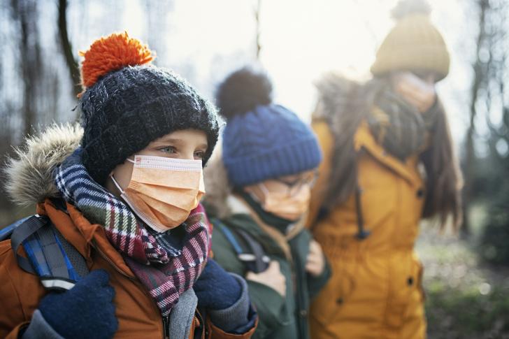 Фото №1 - Строгая форма, поборы, маски: чего не имеют права требовать в школе