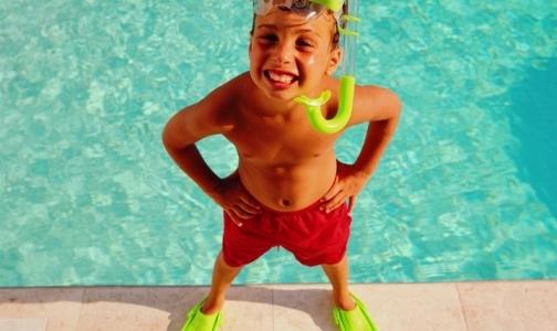 Фото №1 - Кому опасны солнечные ванны