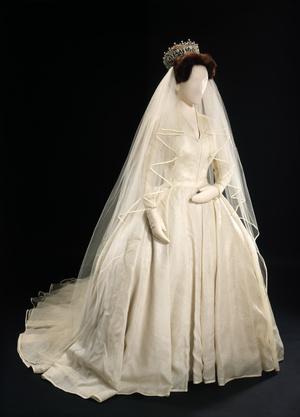 Платье Маргарет в музее.
