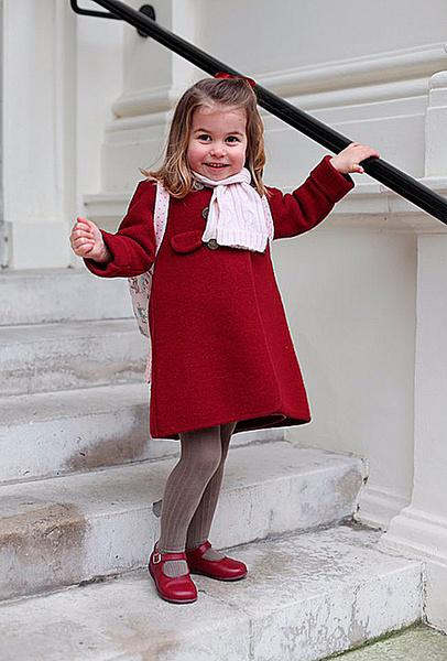 Фото №2 - Принцесса Шарлотта пошла в детский сад