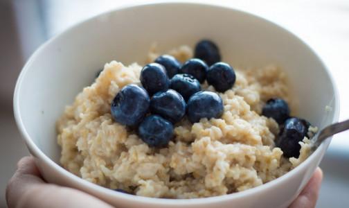 Фото №1 - Как сделать завтрак нездоровым. Об опасности овсянки предупредила диетолог