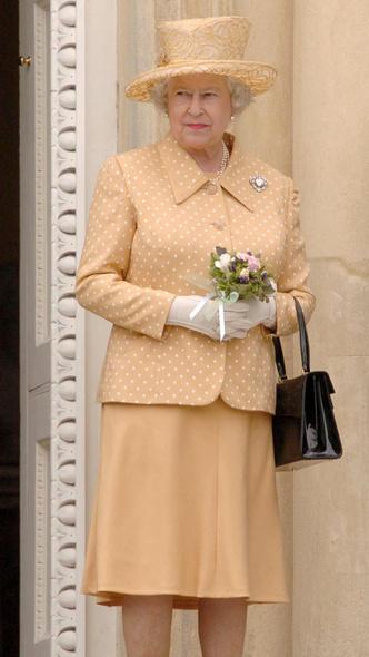 Фото №18 - Полька-дот: как королевские особы носят трендовый «горох»