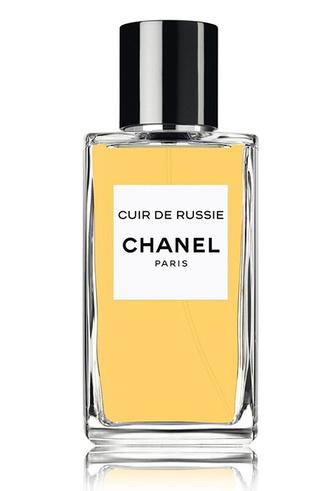 Фото №5 - Сумка-муфта и духи-деготь: как дом Chanel заставил мир полюбить Россию