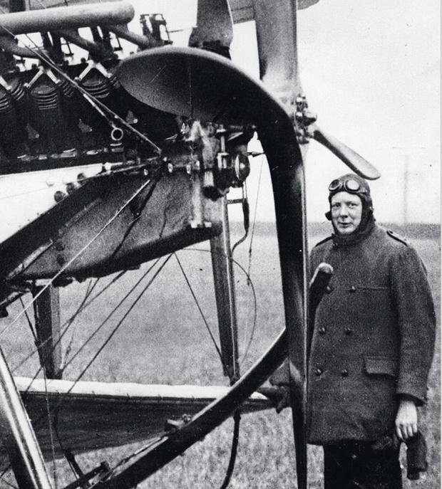 Черчилль только что совершил перелет в Портсмут 1914