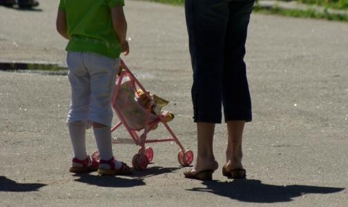 Фото №1 - В петербургской клинике обследуют 11-летнюю беременную девочку