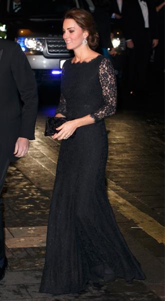 Фото №18 - 15 примеров, когда королевские особы надевали одно и то же вечернее платье несколько раз
