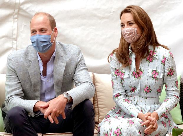 Фото №3 - Конфуз герцогини: как Кейт приняли за помощницу Уильяма (и ее бесценная реакция)