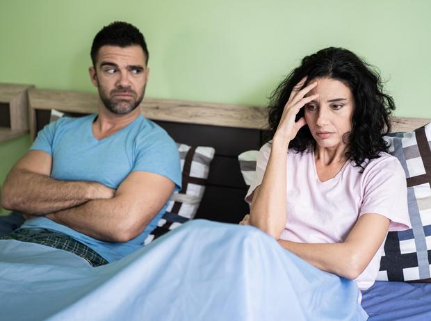 Фото №1 - Неразлучники: как сохранить отношения, когда вы вместе 24 часа в сутки