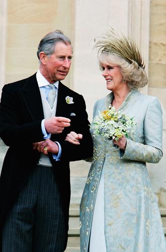 Фото №11 - Без церемоний: как Карл Лагерфельд провоцировал британских монархов