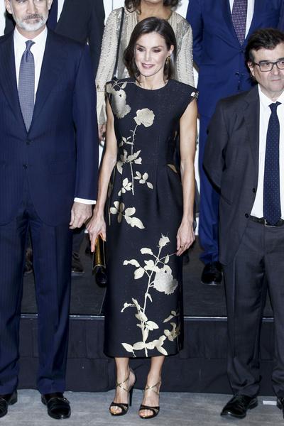 Фото №6 - 15 нереально красивых летних платьев королевы Летиции