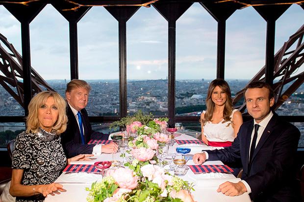 Фото №14 - Первые подруги: Мелания Трамп и Бриджит Макрон в Париже