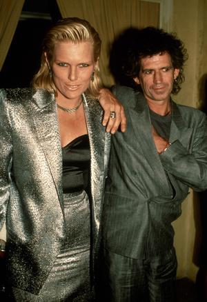 Фото №6 - Королевы рока: самые стильные жены и подруги культовых рок-звезд