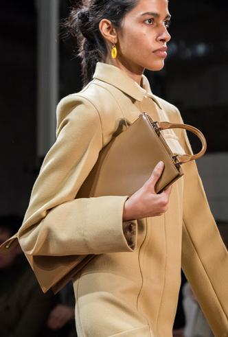 Фото №8 - Самые модные сумки осени и зимы 2019/20