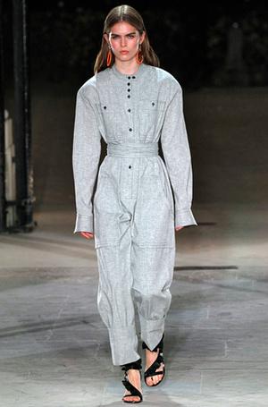 Фото №20 - Единое целое: как носить модные комбинезоны