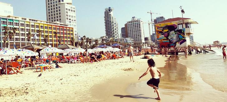 Фото №2 - Чудо на пляже: как вор случайно спас множество людей от бомбы в Тель-Авиве и стал национальным героем