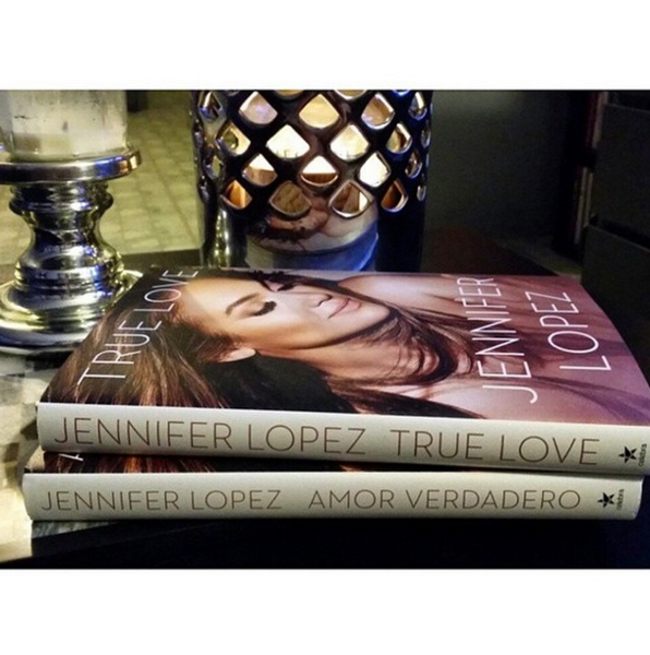 Фото №4 - Звездный Instagram: Знаменитости и книги