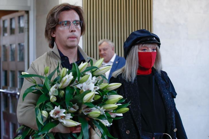 Фото №2 - Печальное наследство: сценограф Пугачевой оставил жене и детям долги на 30 млн рублей после смерти