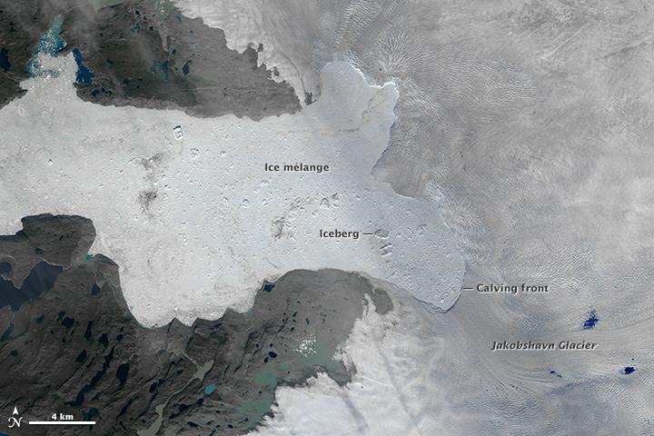 Фото №2 - Гигантский айсберг откололся от Гренландии
