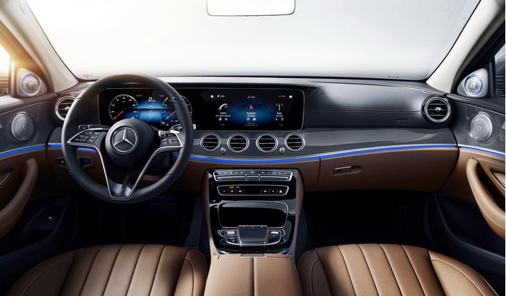 Фото №3 - Обновленный Mercedes-Benz E-класса оказался дороже BMW